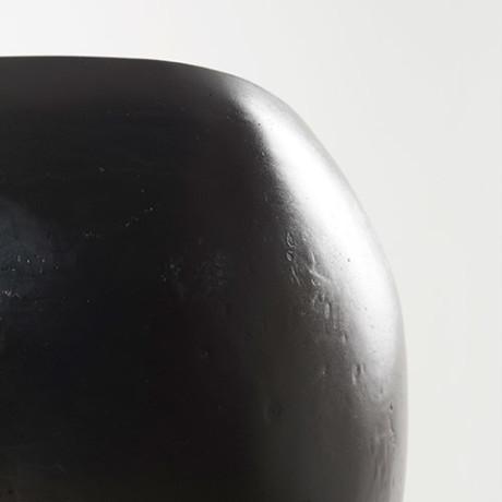 Black Lava – Studio Constellation